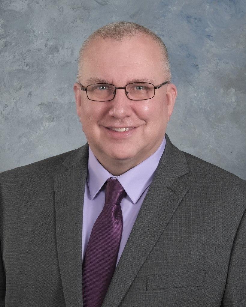 Speech and Humanities Instructor Brad Jester Receives SCTC Rick Perkins Award